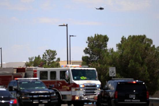 شرطة تكساس تصل موقع اطلاق النار