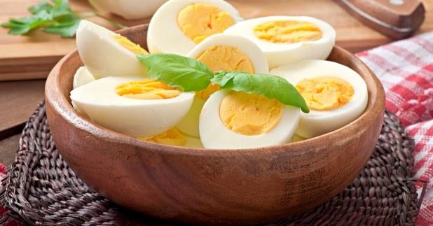 ساندوتش بيض يحتوى على الكالسيوم و فيتامين د