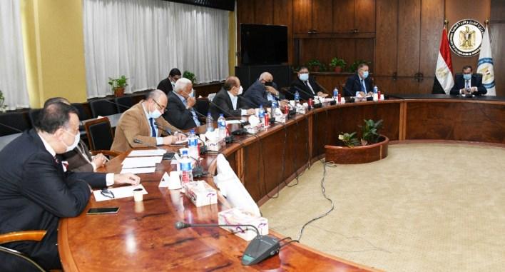 خلال لقاء وفد الاتحاد المصري لجمعيات المستثمرين