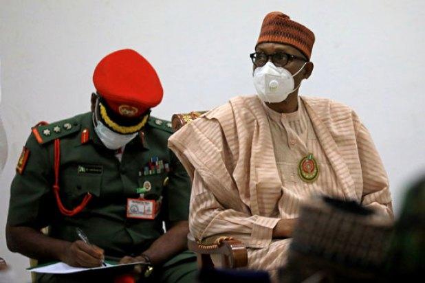 الرئيس النيجيرى يحرص على استقبال الطلاب