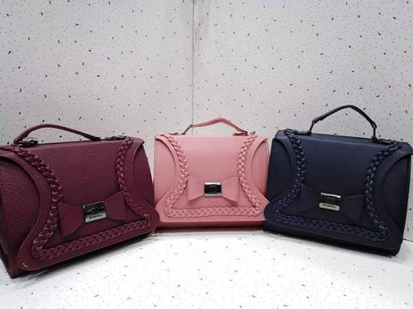 ألوان حقائب اليد