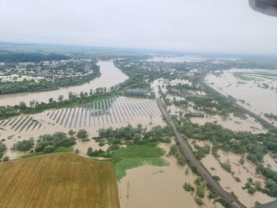 فيضانات تضرب مدينة إيفانو فرانكيفسك بأوكرانيا
