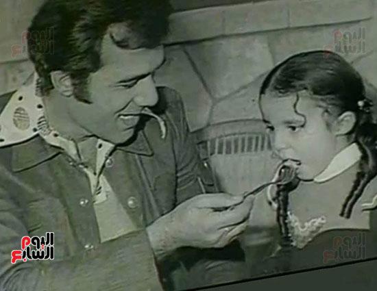 Mahmoud Yassin and his daughter