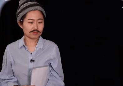 فتاة صينية تقلد شخصية الزعيم عادل إمام في مسرحية شاهد ما شفش حاجة. (6)