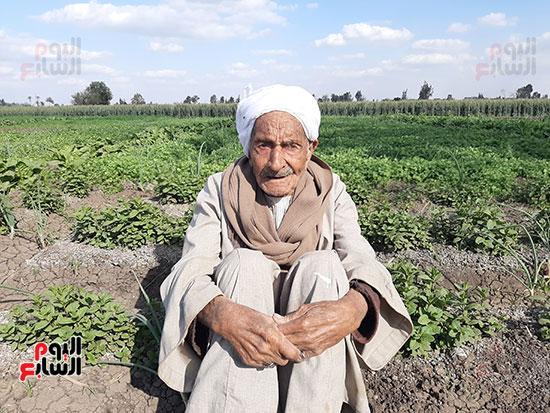 Elderly in village of helwat (3)