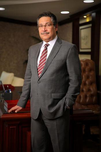 حسن غانم رئيس مجلس الإدارة والعضو المنتدب لبنك التعمير والإسكان