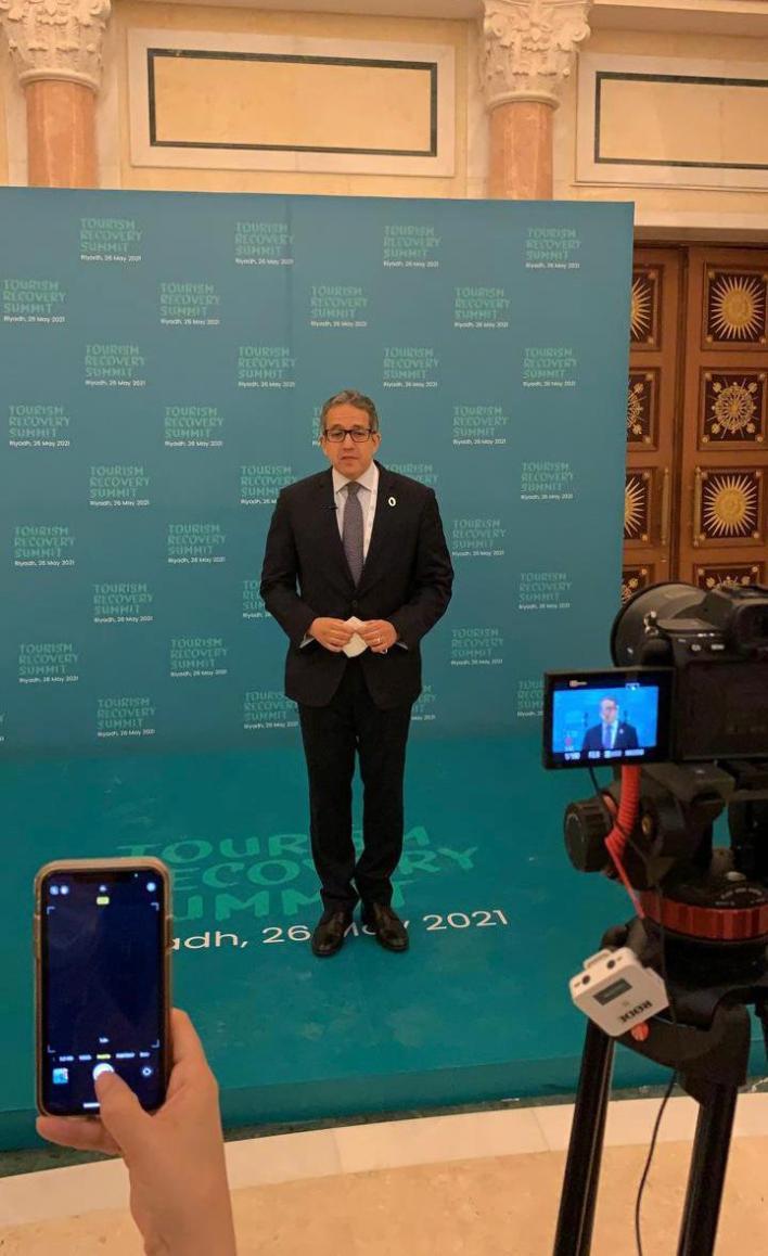 وزير السياحة يجري لقاءات إعلامية