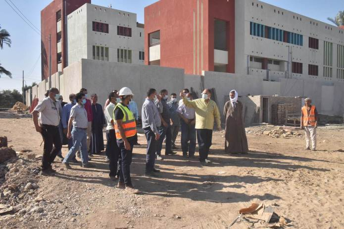 Assiut Governor inspects the construction of Al-Tanagha Al-Sharqiah Secondary School and a firefighting unit in Sahel Selim (2)