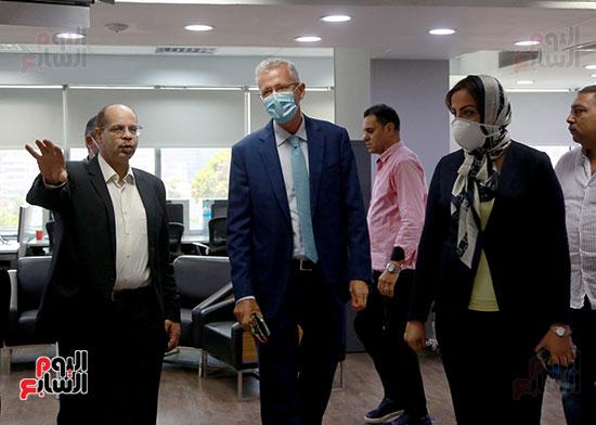 الرئيس التنفيذى لجى بى غبور أوتو فى زيارة لـاليوم السابع (26)