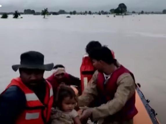 عمليات الانقاذ فى الهند