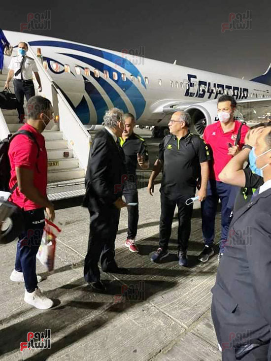 Al-Ahly delegation arrives in Cairo, crowned with the title of African Cup Winners' Cup (9)