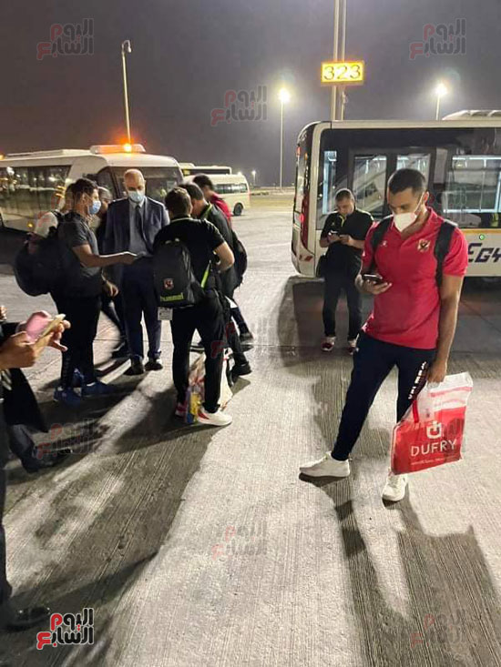 Al-Ahly delegation arrives in Cairo crowned with the title of African Cup Winners' Cup (10)