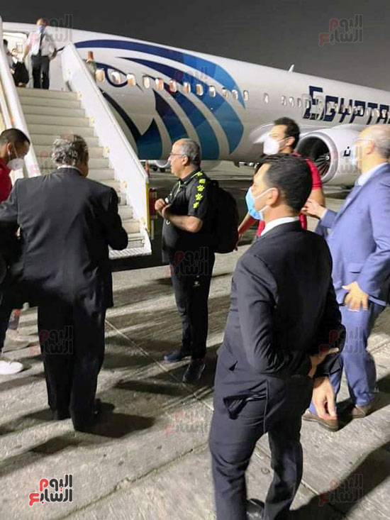 Al-Ahly delegation arrives in Cairo crowned with the title of African Cup Winners' Cup (4)
