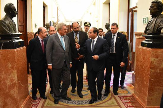 الرئيس السيسى يتفقد مبنى مجلس البرلمان الإسبانى -اليوم السابع -5 -2015