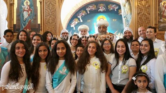 أطفال مصر يستقبلون البابا تواضروس بهولندا -اليوم السابع -5 -2015