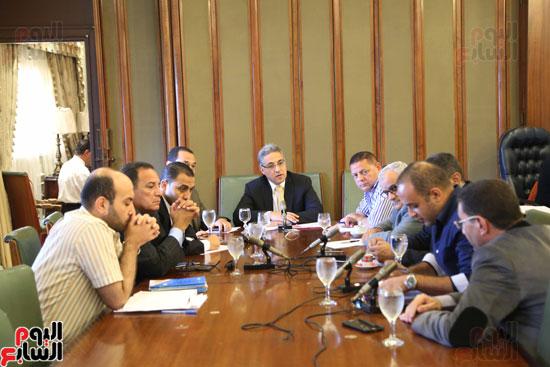 1-(8)لجنة الإدارة المحلية بالبرلمان