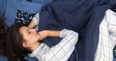 4 أوضاع تساعدك على النوم بشكل أفضل أبرزها النوم على الظهر بشكل مستقيم