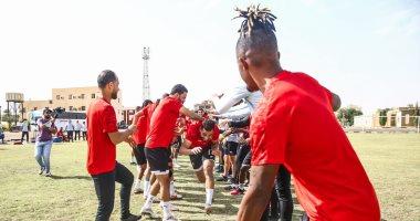 لاعبو الأهلى يحتفلون بعيد ميلاد عمرو السولية