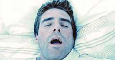 دراسة أمريكية: الشخير أثناء النوم يسبب السكتة الدماغية وأمراض القلب