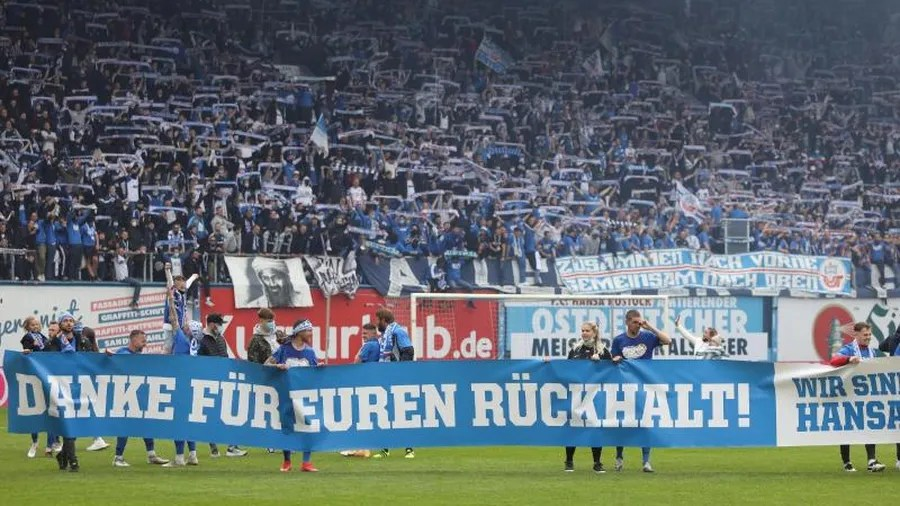 Fussball Rostock Stellt Nachsten Rekord Auf Und Stoppt Ticketverkauf Zeit Online