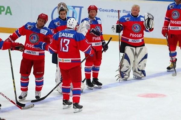 В Екатеринбурге звезды хоккея обыграли команду, победившую ...