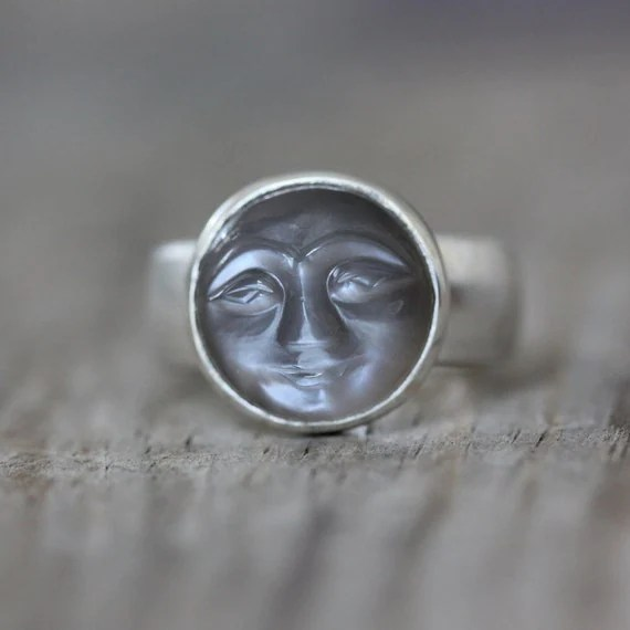 SIZE 8 Quarry Gray Moonstone Ring Smiley Carved Moonstone