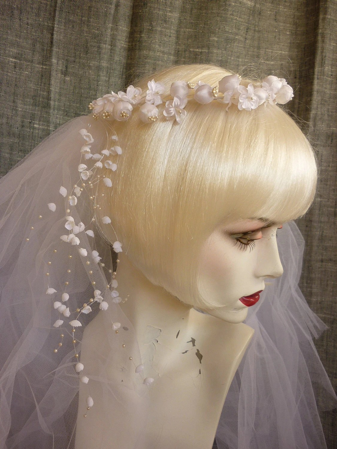 1980s Bridal Circlet Headpiece W Veil Silk Flowers And Pearls
