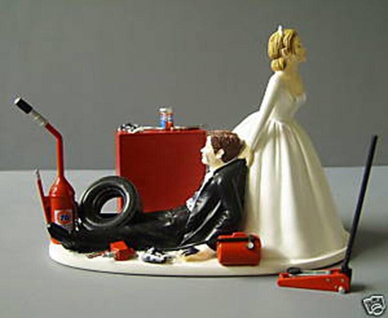 RACINGAUTO MECHANIC CUSTOMIZED WEDDING CAKE By Awesometoppers
