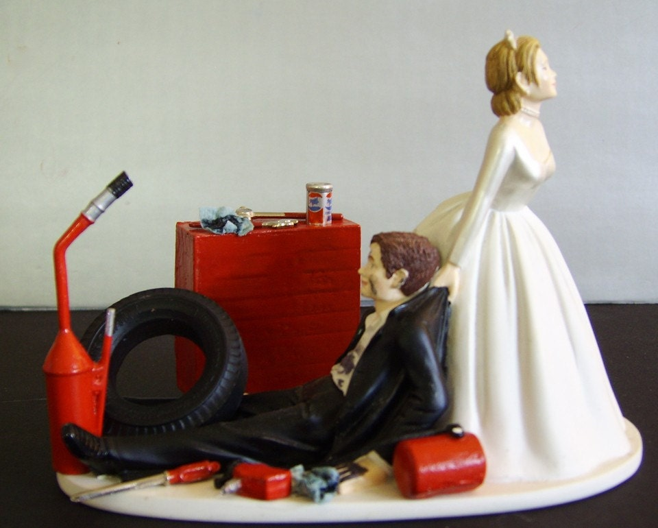 RACING AUTO MECHANIC Customized Wedding Cake By Awesometoppers