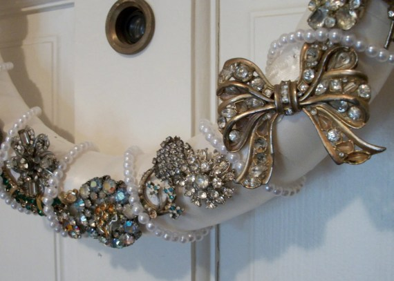 Vintage Brooch OOAK Wreath: Second Chance Holiday - LittleMissMeganS