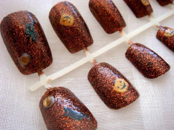 Sparkly orange Halloween nails - celdeconail