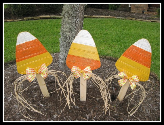 Wood Candy Corn Fall Decoration Yard Stake Yard Art - WildeWoodTreasures