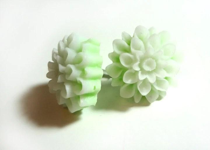 Light Green Chrsanthemum Post Earrings - Glamour365