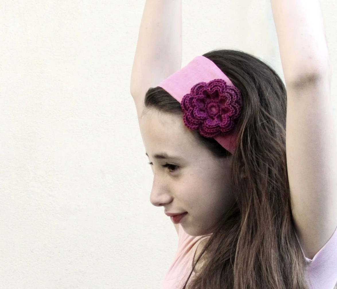 Pink Linen headband with crochet flower / beautiful girl / bridesmaid / pink and purple - theYarnKitchen