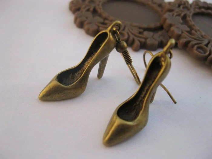 earrings---antique bronze 3D little high-heeled shoes,alloy earrings - laceinspring