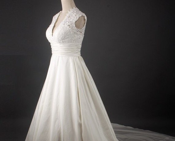 Custom make Vintage Wedding Dress A LINE Bridal Gown Bridesmaid Mermaid V Neck Lace Flower Satin Train Formal Evening Dress