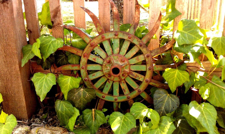 Rusty Metal Garden Art Industrial Decor on Backyard Metal Art id=63083