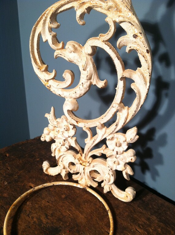 Rusty White Wrought Iron Wall Planter by ZassysTreasures ... on Iron Wall Vases id=34564