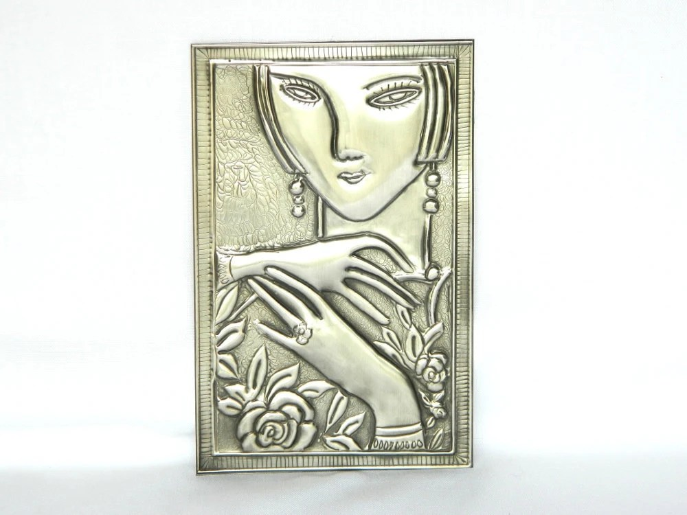 Metal Embellishment Modern Lady Pewter Repousse - Loutul