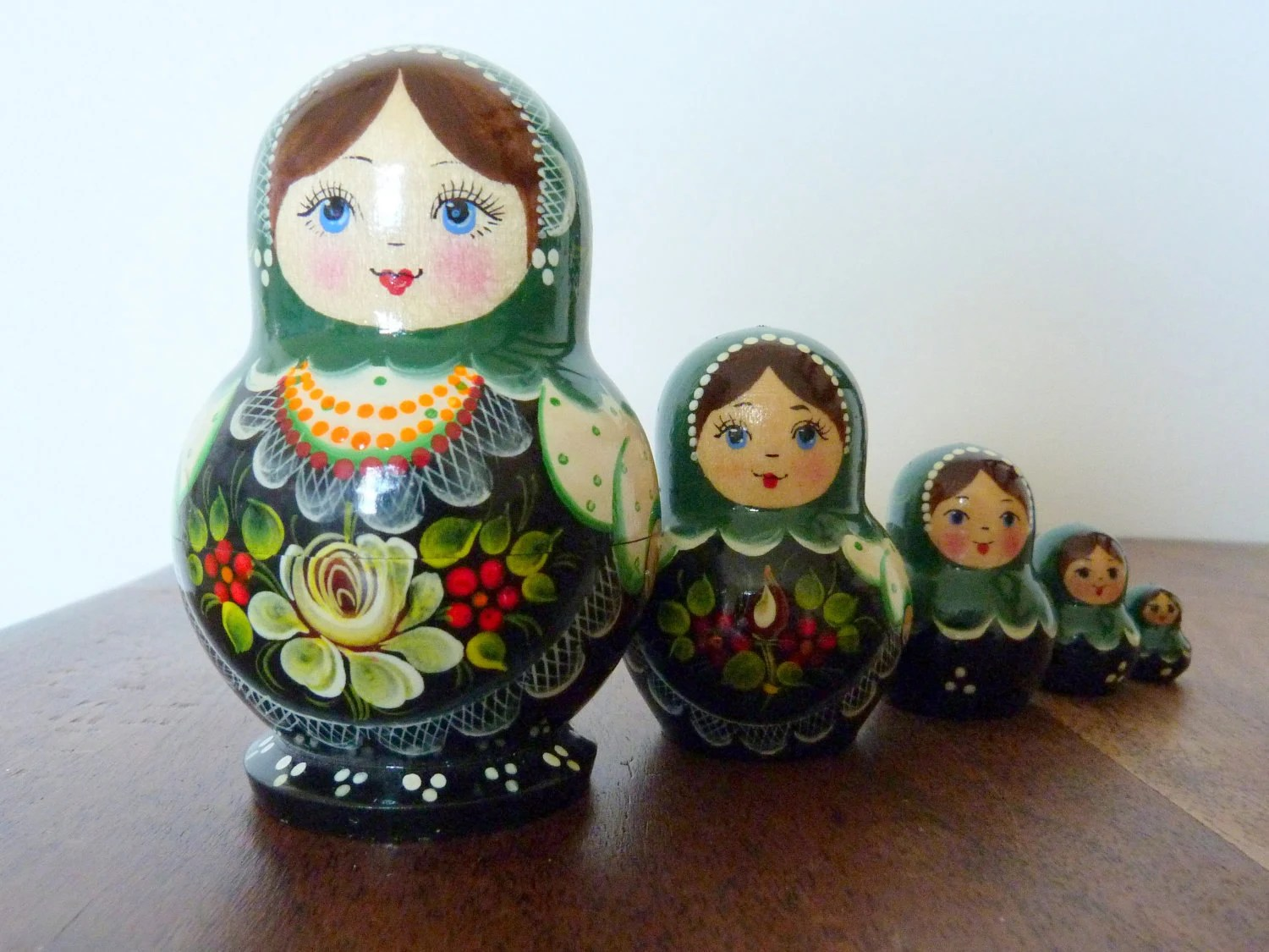 Matryoshka Russian Nesting Dolls Set of Five Green