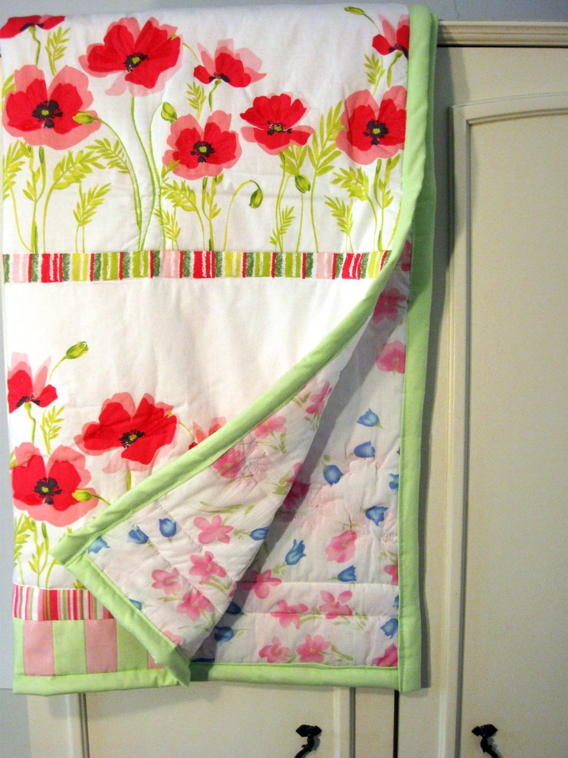 Free shipping. SALE. Spring baby  quilt. Spring wild red poppies baby girl quilt. A gift for a todler or a baby girl - DearQuilt