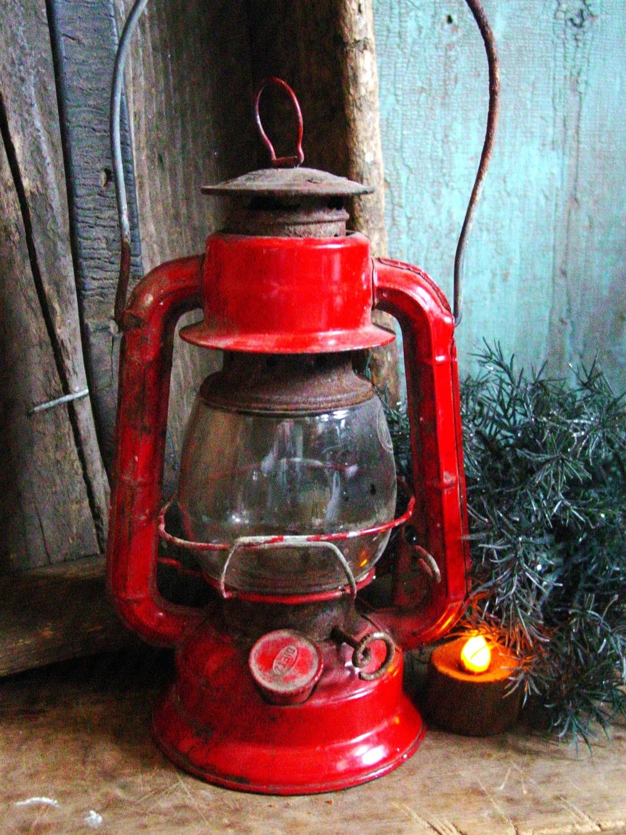Vintage Dietz Red Lantern Cute Size Rustic Log Cabin Christmas