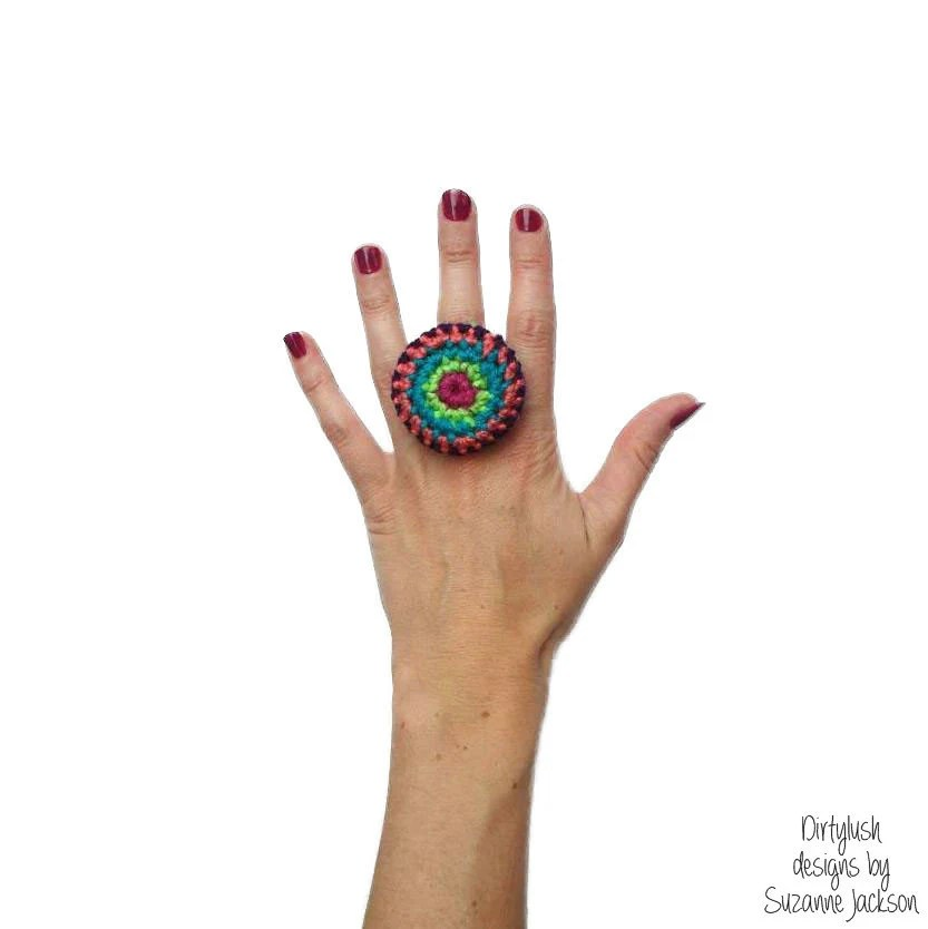 Statement button crochet ring - DirtyLush