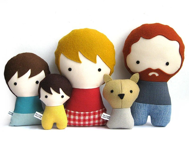 Personalized Family with Dog. Stuffed fabric doll