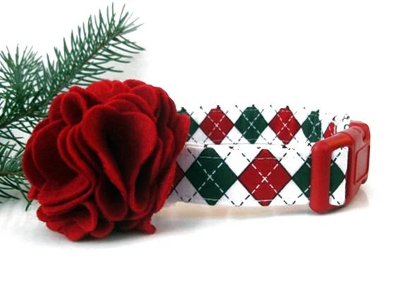 Christmas Argyle Dog Collar with Red Flower Accessory - Red, Green and White Argyle - BigpawCollars