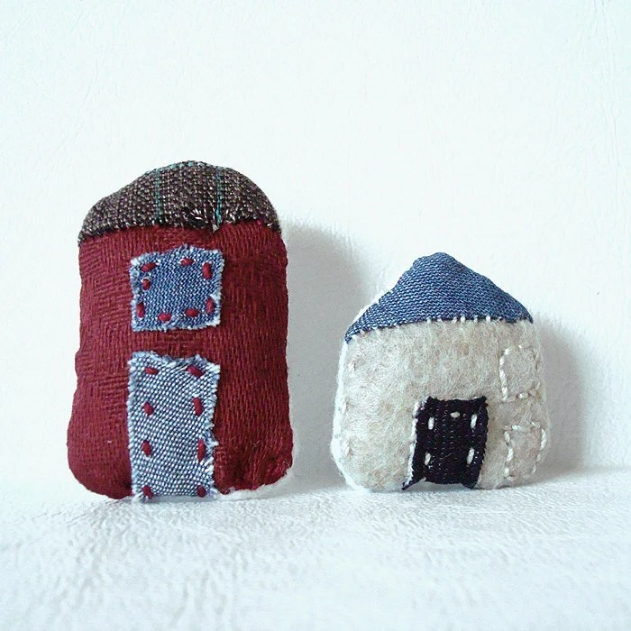 Plush Pin Brooch Little Red House