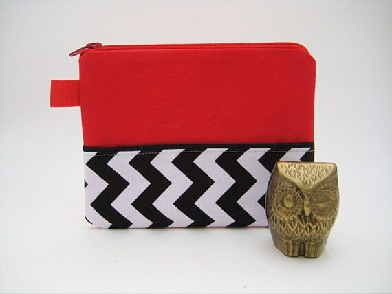 the red room pouch