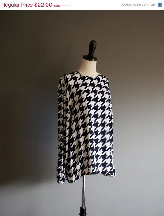 15% off 80s Checkered Black and White HOUNDSTOOTH Print Slouchy blouse (s-m) - heightofvintage