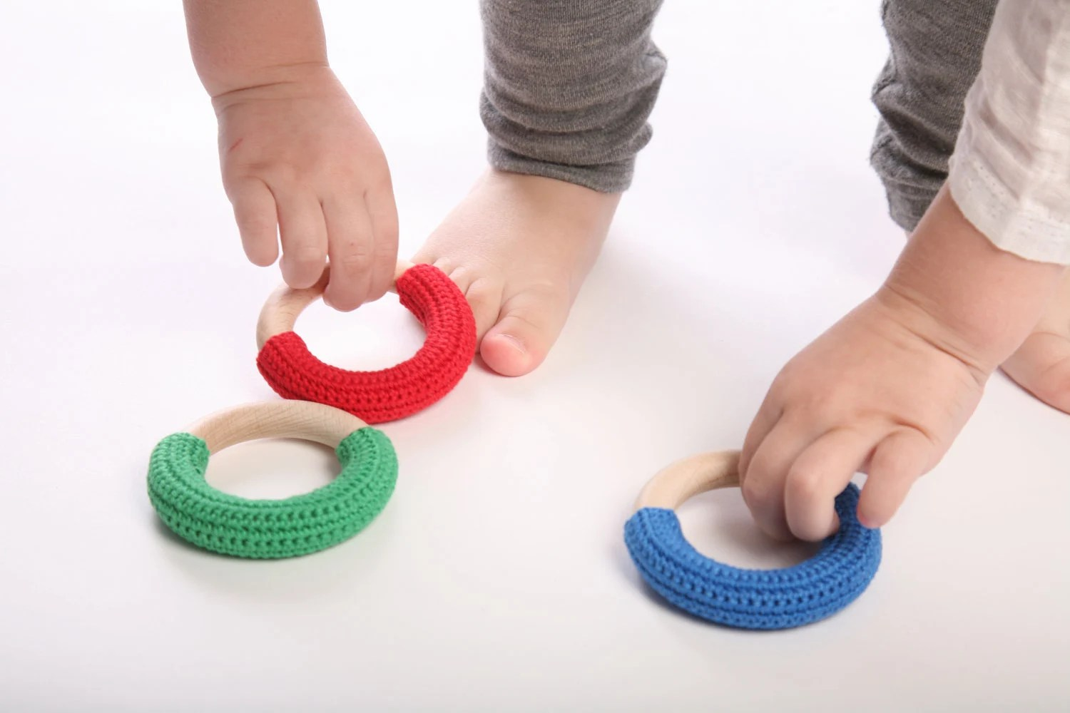 Mix of three teething rings / Babywearing / First Toys