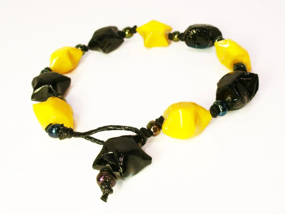 Star Bracelet Adjustable Yellow and Black Origami - PinkDragonflyCrafts